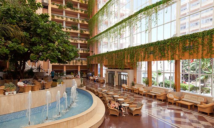 Interior del Hotel Playacapricho en Roquetas de Mar