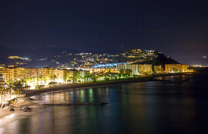 Vista aerea de la Costa de Almuñecar en Granada, España