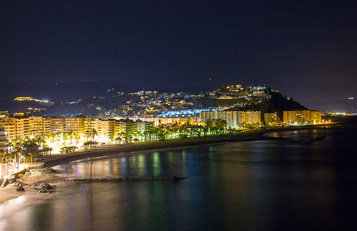 La vida nocturna en la costa tropical blog playasenator - Fotografia aerea malaga ...