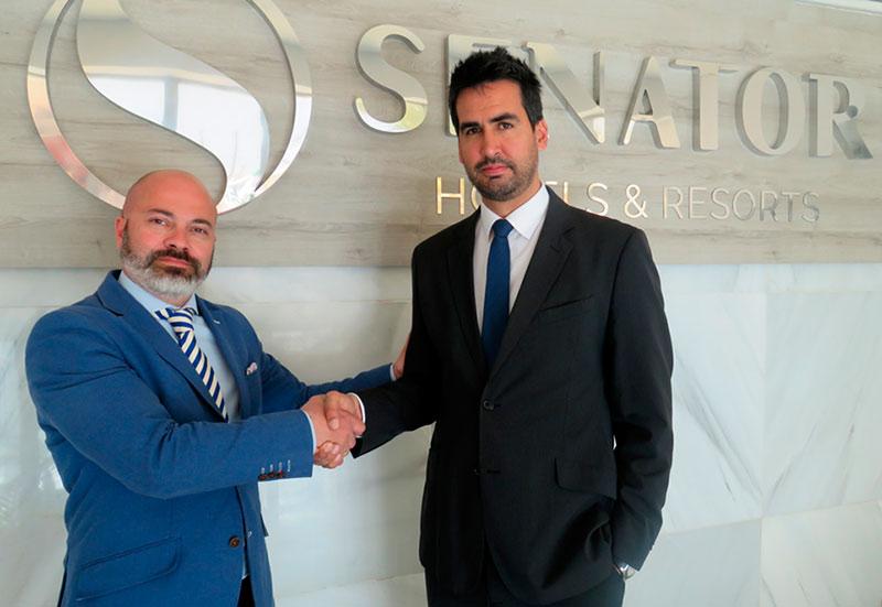 De izqda. A Dcha.: Miguel Encinas (Director comercial y marketing de Hotelvip) y Gabriel Morell (Subdirector de Operaciones Senator Hotels & Resorts)